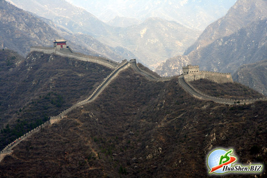 Великая китайская стена. Фотографии китайской стены. Заставка на компьютер - китайская стена