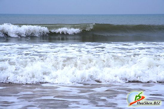 Южно - Китайское море. Морской прибой. Фотографии моря с берега. Красивый морской прибой с пеной